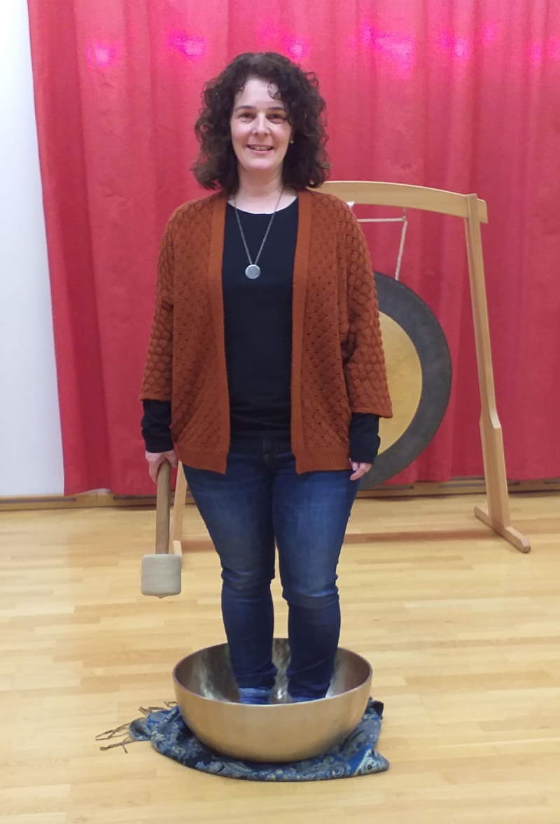 Simone Thum: Klangschalenmassagepraktikerin nach Peter Hess